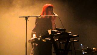 "Owlle ""Your Eyes"" - Live @ Café de la Danse, Paris - 04/10/2011 [HD]"