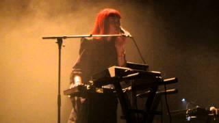 """Owlle """"Your Eyes"""" - Live @ Café de la Danse, Paris - 04/10/2011 [HD]"""