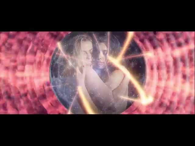 "Vídeo oficial de ""Espada"" de Javiera Mena"