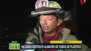 Rímac: incendio consume almacén de tubos de plástico