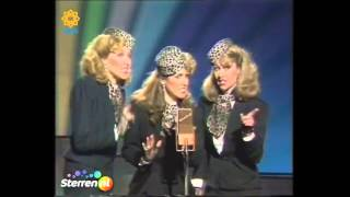 Star Sisters - Andrews Sisters Medley (Don't Sit Under The Apple Tree, Moonlight Serenade, Oh Mama)