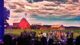 "Willie Nelson & Family ""Living In The Promiseland"" at Farm Aid 2017."
