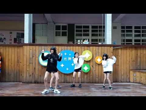 小藝人表演 - YouTube