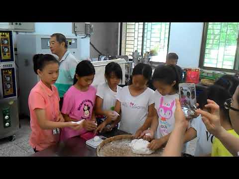 花蓮縣中正國小403班親會食農教育及米食製作搓湯圓和包菜包體驗 6 - YouTube