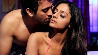Ekaansh & Leena Sexy Sheen in  Madmast Barkha width=