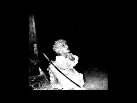 deerhunter-basement-scene-with-lyrics-jessica-bennett
