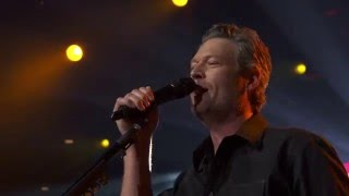 Blake Shelton – She's Got A Way With Words (Live on the Honda Stage at the iHeartRadio Theater LA)