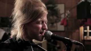 Selah Sue - Murderer (W9 HOME Concerts)