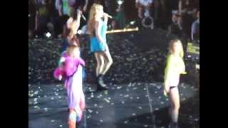 FANCAM 2NE1 SCREAM 8/17/12 New Evolution Tour NJ