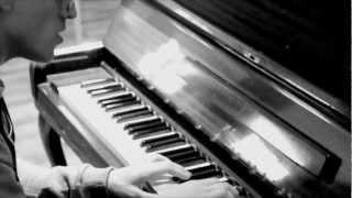"Danny Saucedo - ""Amazing"" akustisk version"