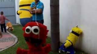 Minios y Payasitos en las Piñatas