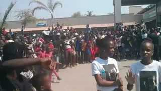 Força Suprema na Shoprite do Lobito (Angola)