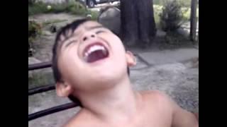 Max y su risa minios