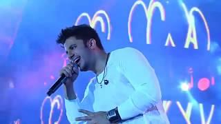 Cristiano Araújo - Me Apego [Vídeo Oficial] | DVD Barretos 2014 - Ao Vivo