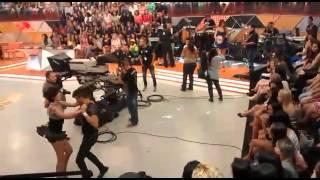 Banda calypso legendários letycia e jr dançando