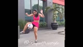 Raquel Benetti freestyle in tacchi a spillo