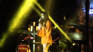 Lana Del Rey : Young and Beautiful - Live @ Milan