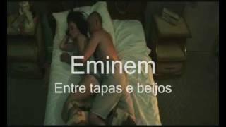 Eminem parodia (entre tapas e beijos)