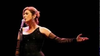 Zizi Possi canta Lábia