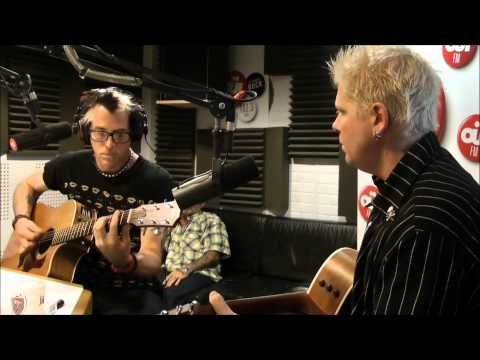 the-offspring-come-out-and-play-acoustic-ouifm-skrock-japan