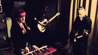 Lia Hide - Maps (Yeah Yeah Yeahs cover) - live studio sessions