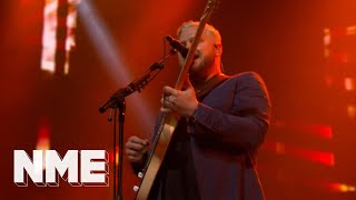 Alt-J play 'In Cold Blood' live | VO5 NME Awards 2018