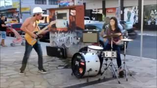 DUO RUIM - Eu Não Sirvo Pra Nada (live @ Praça Dante Marcucci)