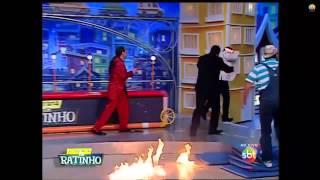 Acidente no programa do Ratinho - Número com fogo termina em acidente com Luis Ricardo