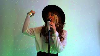 Trouble with my baby - Jodie Topp as Paloma Faith