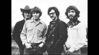 Bad Moon Rising - Creedence Clearwater Revival (Live)