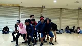 LA'xodus ( EXO's Dance Cover ) Monster Dance Ver.