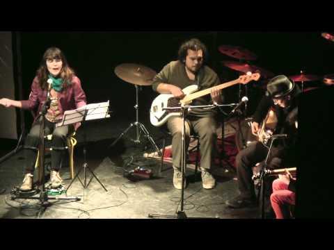 camila-moreno-supercheria-tributo-a-spinetta-anfiteatro-bellas-artes-16052013-rfchp2007