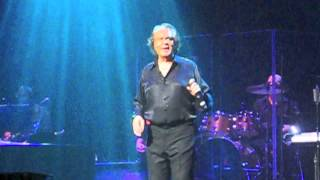 Engelbert Humperdinck Spanish Eyes Live