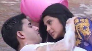 Saras and Kumud's Romance in Mumbai On Location Saraswatichandra Kissing Scene
