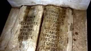 Amor eterno con banda. En el panteón de las Higueras de los Vega Mocorito Sinaloa.