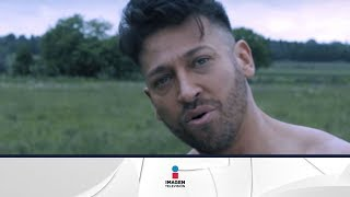 Pablo Ruiz causa polémica por desnudo en su video