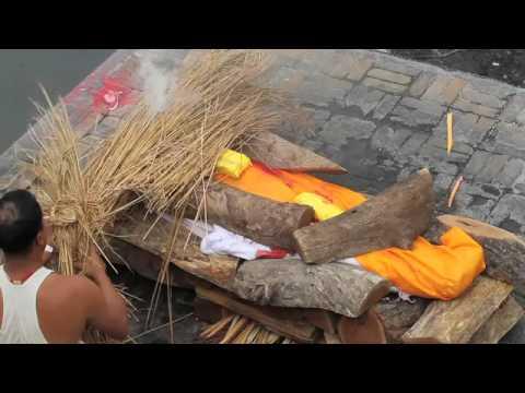 Hindu Cremations at Pashupatinath Temple in Kathmandu Nepal