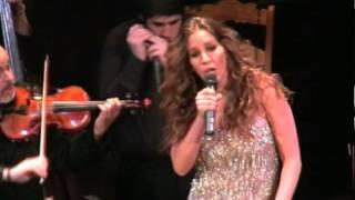 MARIA TOLEDO -Mala Cabeza (en directo desde el teatro Reina Victoria de Madrid)