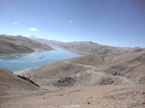 04 Prof. Juan Lázara en lagos congelados en los Himalayas.MPG