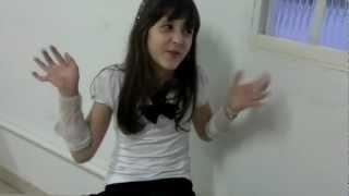 Cena do Carrossel - prof º Helena conversa com Maria Joaquina (Juliana e Giovanna)