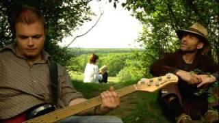 Sarmalele Reci -  VINE, NU VINE - cel mai recent clip al lor