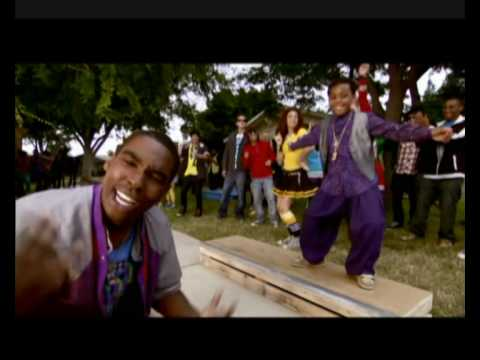 Cant Touch This de Zeke Y Luther Letra y Video