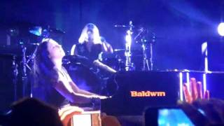 Evanescence Live in Offenbach 17.11.11 - Lost in Paradise (3)