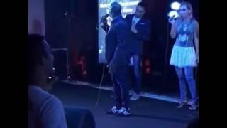 Kleber Lucas canta Titãs em culto e viraliza - Notícias Gospel Mais