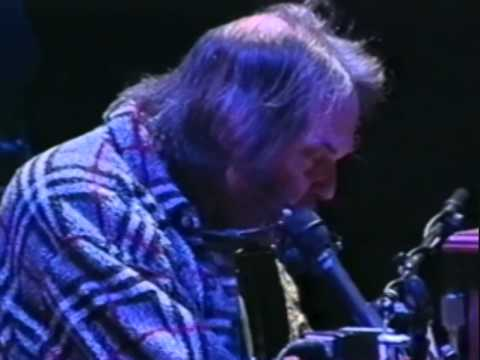 neil-young-oh-mother-earth-10-19-1997-shoreline-amphitheatre-official-neil-young-on-mv