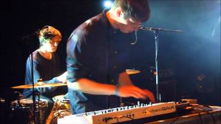 AlunaGeorge - We Are Chosen (live @ Botanique 2013)