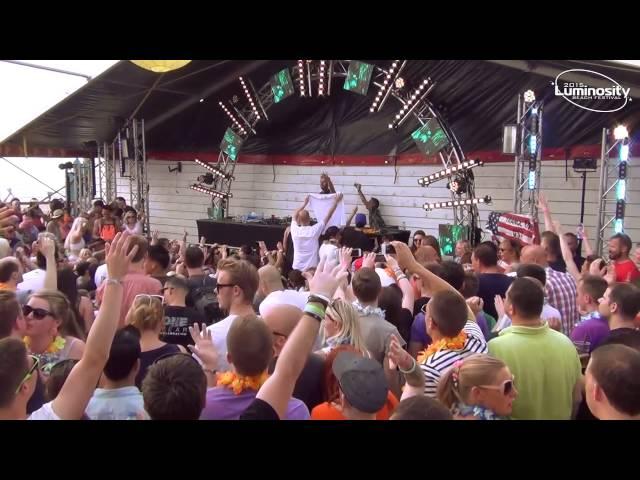 DJ set de Sneijder en el Luminosity Beach Festival.