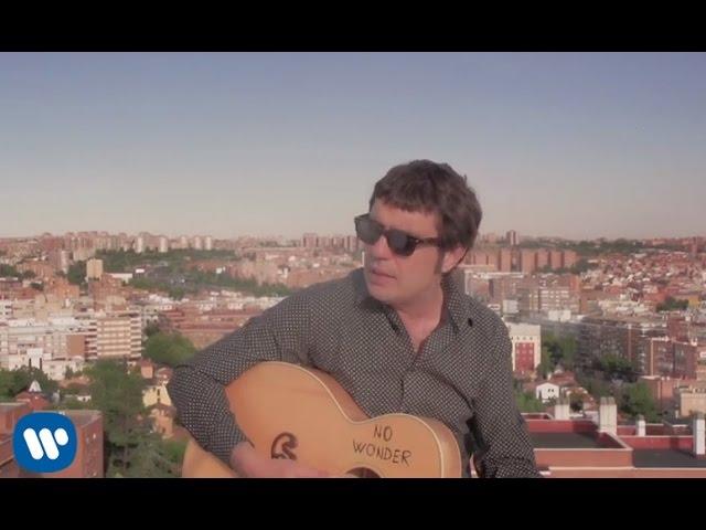 """Videoclip oficial de la canción """"Horas de Vuelo"""" de Lichis."""