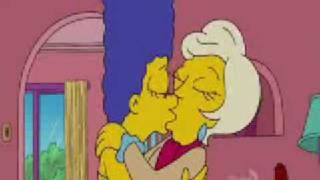 marge beijo lésbico - the simpsons