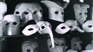Il trio Fratini -  In un mondo di maschere